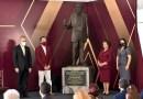 Asiste Adriana Paola Linares a develación de estatua del General Ignacio de la Llave.