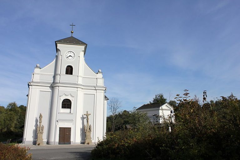 Těšínské Slezsko: Křivý kostel a unikátní dřevěnka