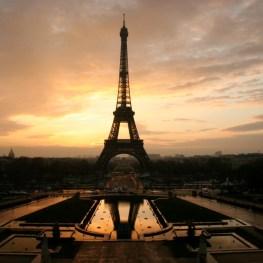 Dechberoucí Eiffelova věž: Opravdu ji Pařížané nenáviděli?
