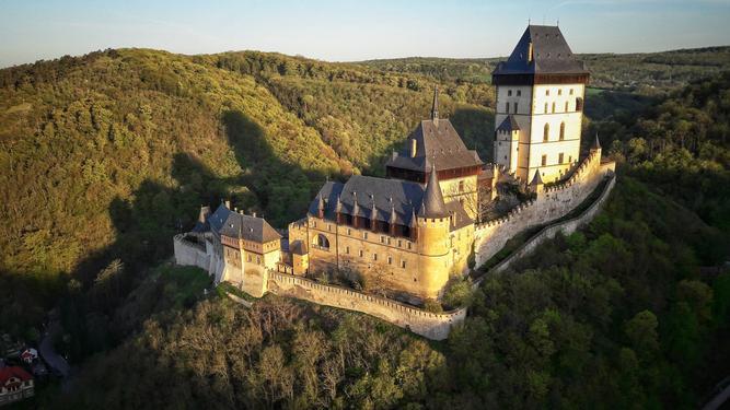 Opěvovaný Karlštejn chránil bohatství císařské pokladnice