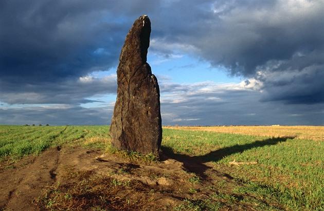 Největší český menhir, kamenný pastýř: Odpočítává konec světa?