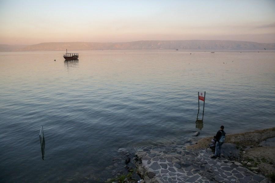 Dno Galilejského jezera v Izraeli: Leží tu poklady zdávných dob?