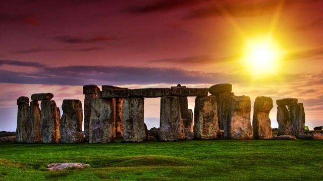 Stonehenge není jen jeden. Nedaleko stál druhý a ještě větší