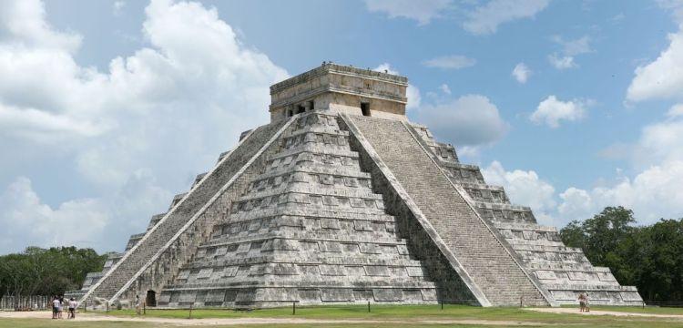 Ukrývá pyramida v Chichén Itzá tunel do podsvětí?