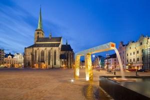 Novinky v Plzni: Opravená katedrála a nový minipivovar