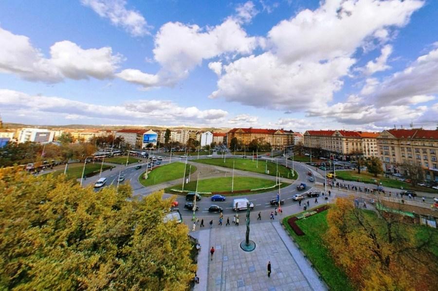 Proměny názvu pražského Vítězného náměstí: Beneše střídala Řijnová revoluce