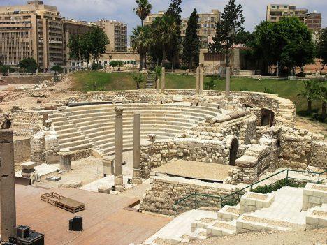 Část starověkého města se podařilo odkrýt na souši, nemalý díl ale nadobro pohřbila voda.