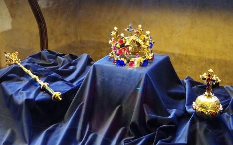 České korunovační klenoty zřejmě obsahují i roztavený kov z původního Vratislavova šperku.
