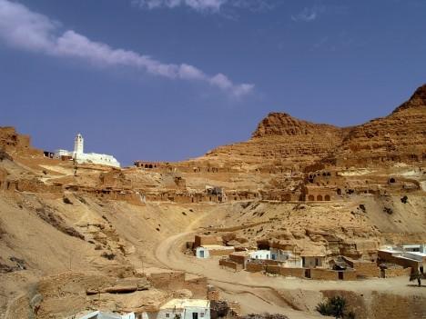 Na jihu Tuniska se nachází slavná osada Chenini.