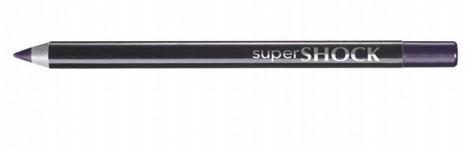 Ještě než začnete používat oční tužku, ořezejte ji tak, aby byl hrot ostrý tak akorát.