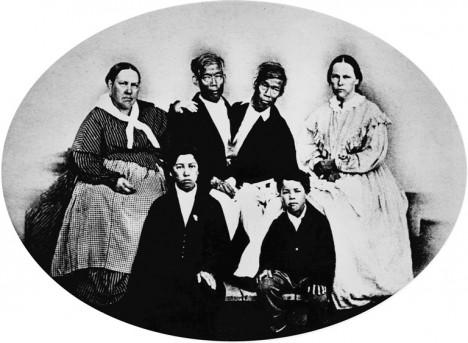 Chang a Eng se svými manželkami zplodili celkem 21 dětí.