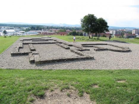 Lokalita Sady v Uherském Hradišti. Výzkumy ukazují, že tady mohly být ostatky kdysi uloženy.
