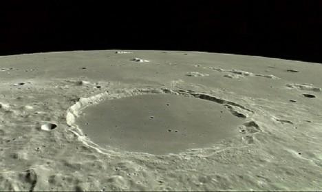 Vznikl náš Měsíc srážkou dvou těles?