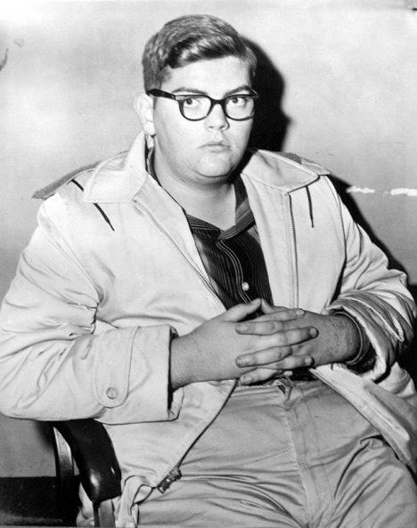 Andrews v roce 1958 po jeho zatčení.