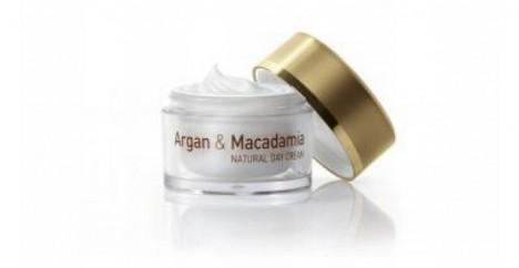 Přírodní krém Interbio obsahuje výživný arganový a makadamový olej.