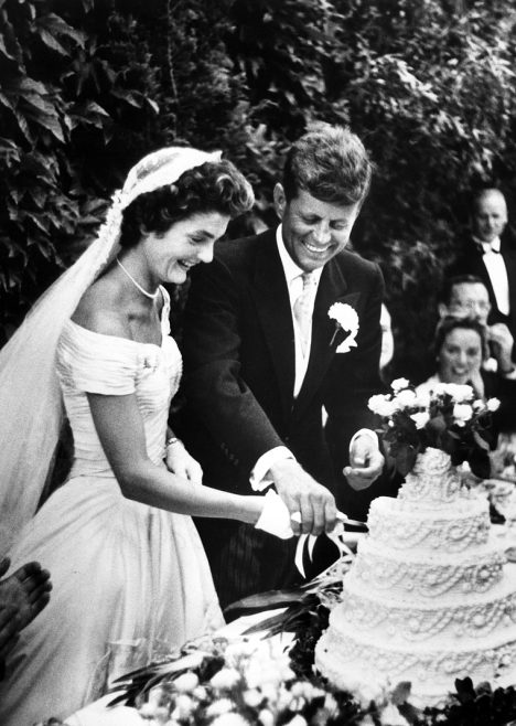 PX 81-32:61 12 September 1953 Hammersmith Farm, Newport, Rhode Island Wedding of John F. Kennedy and Jacqueline Bouvier. Photograph in the Toni Frissell Collection, Library of Congress.