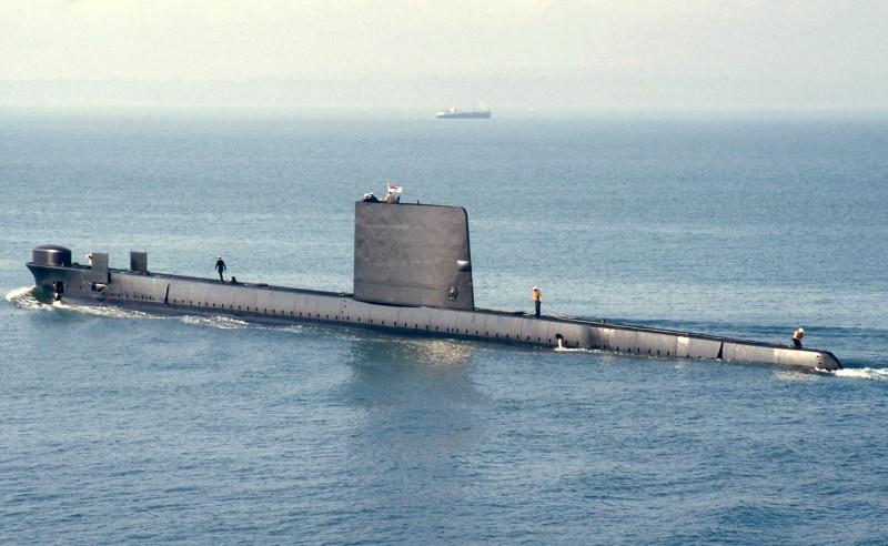 Neuvěřitelné! Dívka uteče z domu ponorkou.