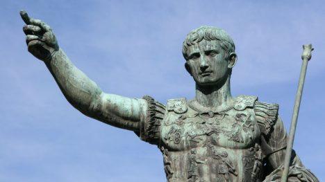 Pod Caligulovou krutovládou si nikdo nemůže být jistý svým životem.