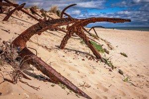 VIDEO: Pláž, na které kotvy odpočívají v pokoji