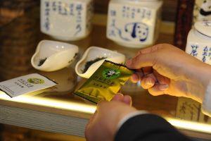 VIDEO: Čaj hnojený pandím trusem zahřeje duši, nikoli ovšem peněženku!