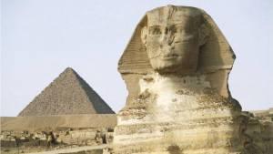 Proč mají egyptské sochy rozbité nosy?