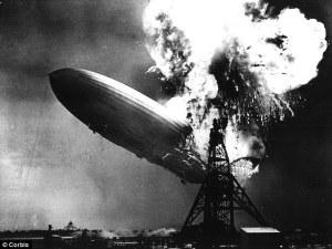 Katastrofa Hindenburgu: Vzducholoď roztrhána explosí!