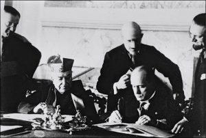 Papež a Mussolini: Proč došlo kjejich spolupráci?