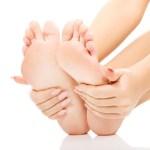 Bolí vás kyčle, kolena, nebo záda? Možná máte ploché nohy!