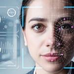Umělá inteligence z Česka pomáhá chytat zločince po celém světě