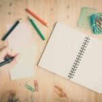 Neprávem zatracovaní leváci: Je psaní levou rukou výhoda, nebo hříčka přírody?