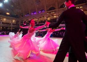 Zpátky na parket! 6 strhujících národních tanců