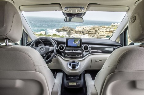 Kompaktní cestovní a obytné vozidlo Marco Polo kombinuje přesvědčivou funkčnost se stylem, a stanovuje tím nová měřítka ve svém segmentu.