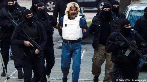 Christodoulos Xiros, vůdce řecké pobočky zmíněné organizace.