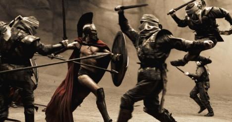 3. Armáda nesmrtelných: Legendární legie 480 př. n. l. Elitní armáda 10 000 vojáků tvořila podle Herodota páteř perské armády a je opředena legendami, dodnes se neví, zda skutečně existovala. Podle legend byli Nesmrtelní nesmírně odvážní a zkušení bojovníci. Bojovali výlučně jako pěšáci v doprovodu jízdy a bojových vozů. Jejich hlavní zbraní byly kladkové luky a dlouhá kopí.