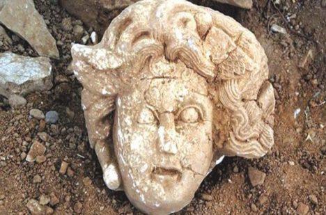 V Turecku našli nedávno mramorovou hlavu medúzy.