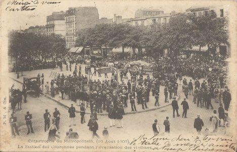 Paris - Catastrophe du Métropolitain (10 aout 1903) - La Station des Couronnes pendant l'évacuation des