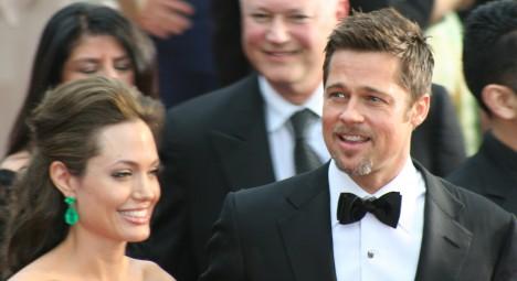 Od roku 2005 žije Angelina Jolie se svým kolegou Bradem Pittem,. Svoji jsou od roku 2014.