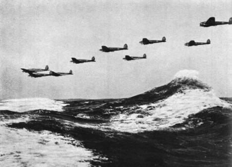 V létě a na podzim roku 1940 se na nebi rozpoutá bitva o Británii.