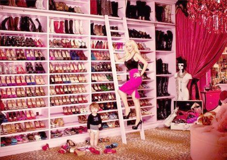 Christina-Aguilera-closet-1