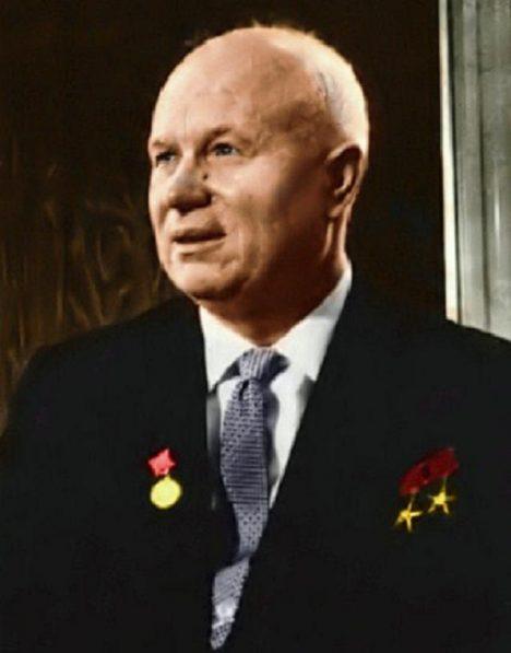 Chruščov se šikovně zbaví všech rivalů.