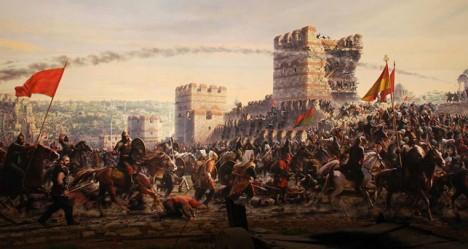 Dobytí Konstantinopole Turky v 15. století znamená konec pro byzantskou říši, která byla posledním pozůstatkem antického římského impéria.