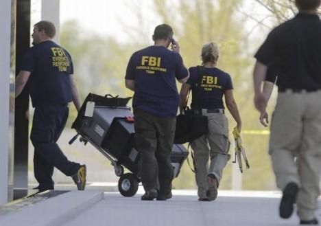FBI v budově federálního soud Salt Lake City po střelbě v soudní síni.