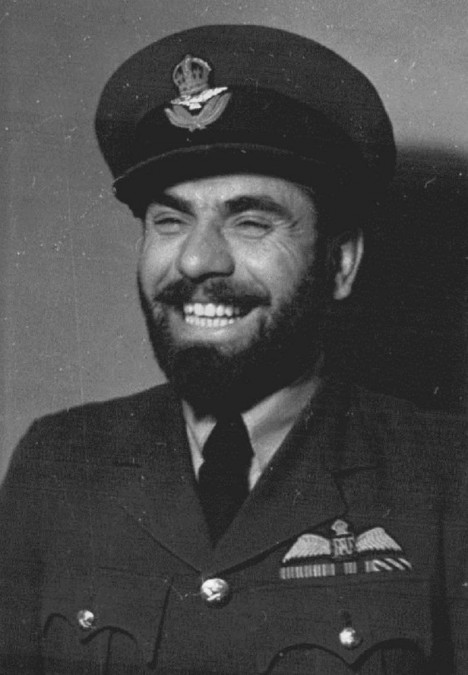 František si vydobude respekt i u dalšího úspěšného pilota, Františka Fajtla.
