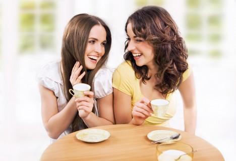 Z kvalitní kávy vám zuby nezežloutnou, naopak, přispívá k ničení bakterií zodpovědných za zubní kazy.