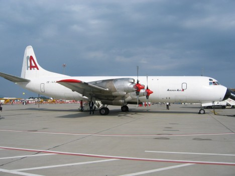 Čtyřmotorový stroj Lockheed Electra letěl s 92 cestujícími přes peruánskou džungli na trase Lima Pucallpa.