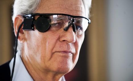 V současné době se vyvíjejí například čipy, které umožní slepcům opět vidět, i když zatím jen v omezeném rozsahu.