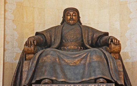 Velký Čingischán na začátku 13. století sjednotil mongolské kmeny a postavil tak základy budoucího impéria.