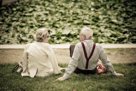 Jedna z nejuznávanějších studií o dlouhověkosti zjistila, že lidé, kteří se milují méně než 1krát měsíčně, jsou až 2krát více ohroženi předčasným úmrtím, než ti, kteří se milují alespoň 2krát týdně.