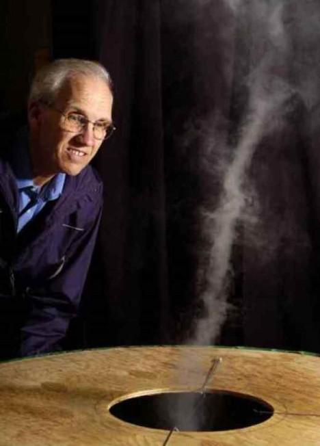 Vynálezce vírového generátoru Louis Michaud předpokládá, že jeden jeho stroj by v budoucnosti dokázal napájet čistou energií až 200 000 domácností.