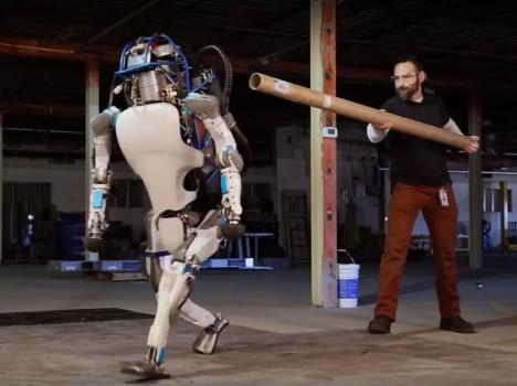 Výzkum umělé inteligence pokračuje mílovými kroky. Je možné, že roboti po nás nakonec převezmou vládu nad planetou.